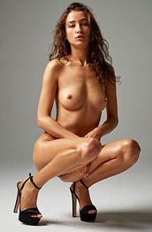 Sashenka Nude Model in Heels