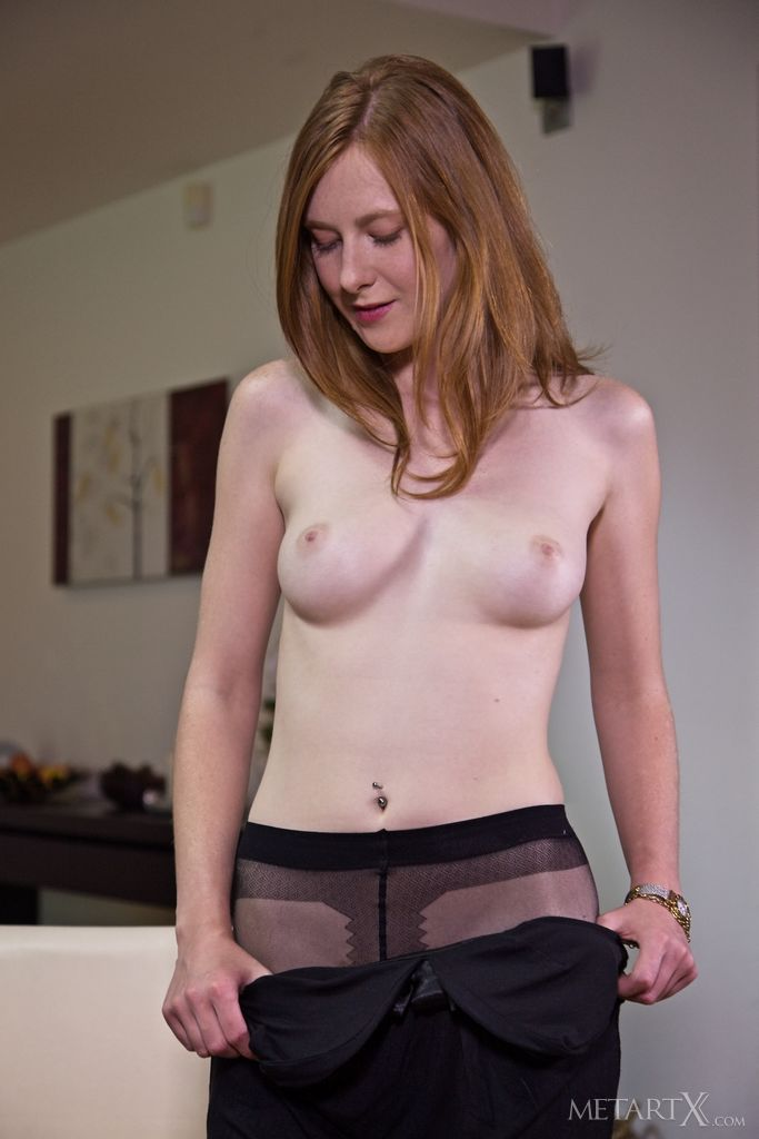 Linda Sweet Spreads in Pantyhose