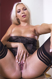 Karol Lilien Spreads in her Stockings