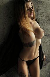 LilianQ Sporty Nude Model