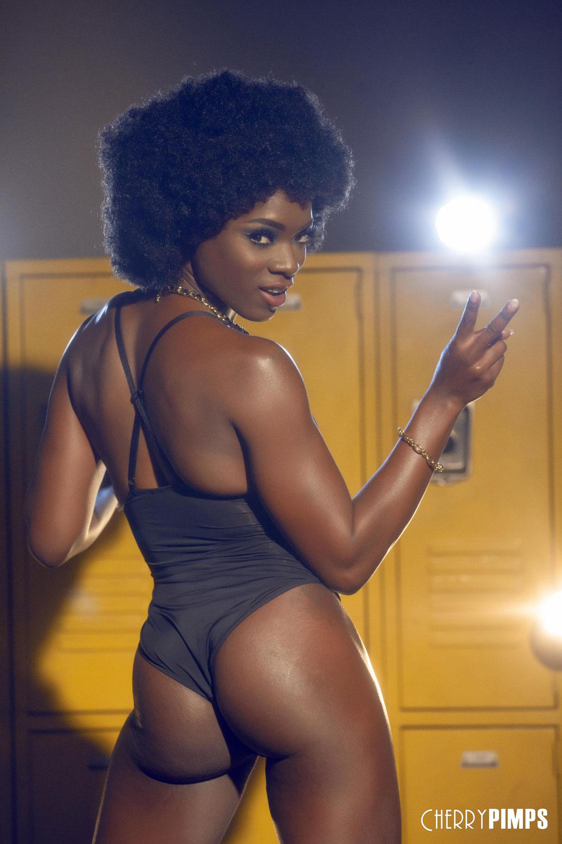 Ana Foxxx Pics ana-foxxx-nude-in-the-locker-room2 « erocurves