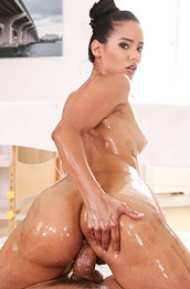 Andreina DeLuxe Oiled Latina Rides Dick