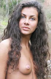 Samantha Hairy Nature Girl