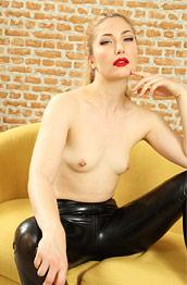 Stephanie Bonham Carter in Leggings