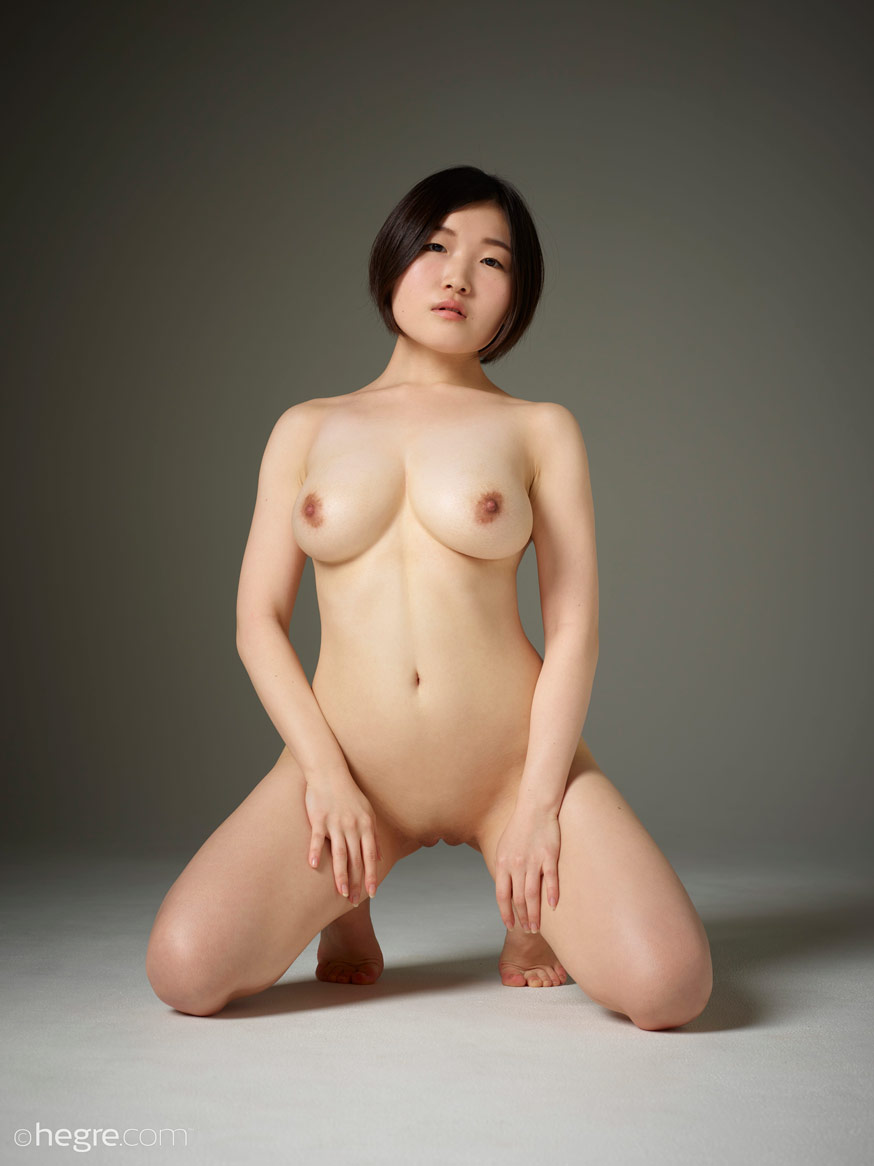 Hinaco Busty Curvy Nude Asian Girl-4147