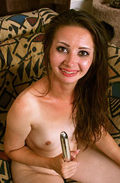 Mia Molly Hot Petite Housewife