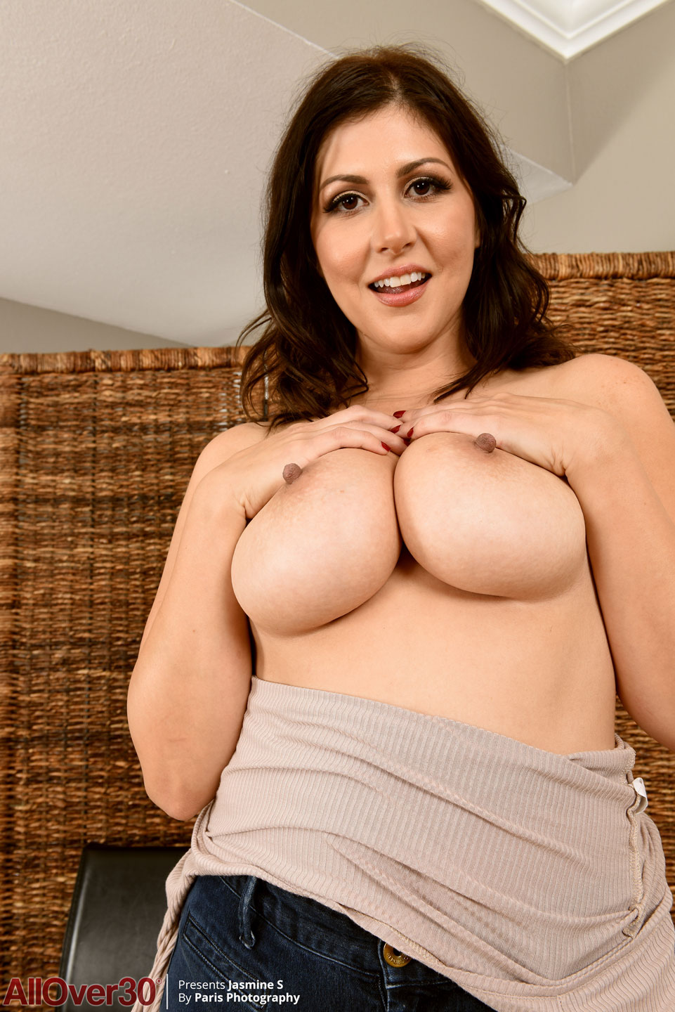 Voluptuous Mature Pics