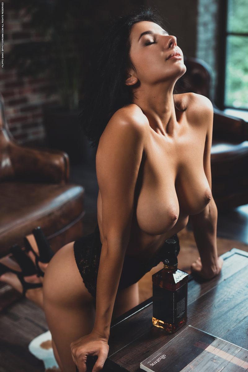 Nadine nude pics Nadine Naked In The Loft7 Erocurves Com