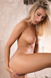 Cara Mell Exciting Blonde