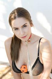 Stella Cox a Sexy Slave