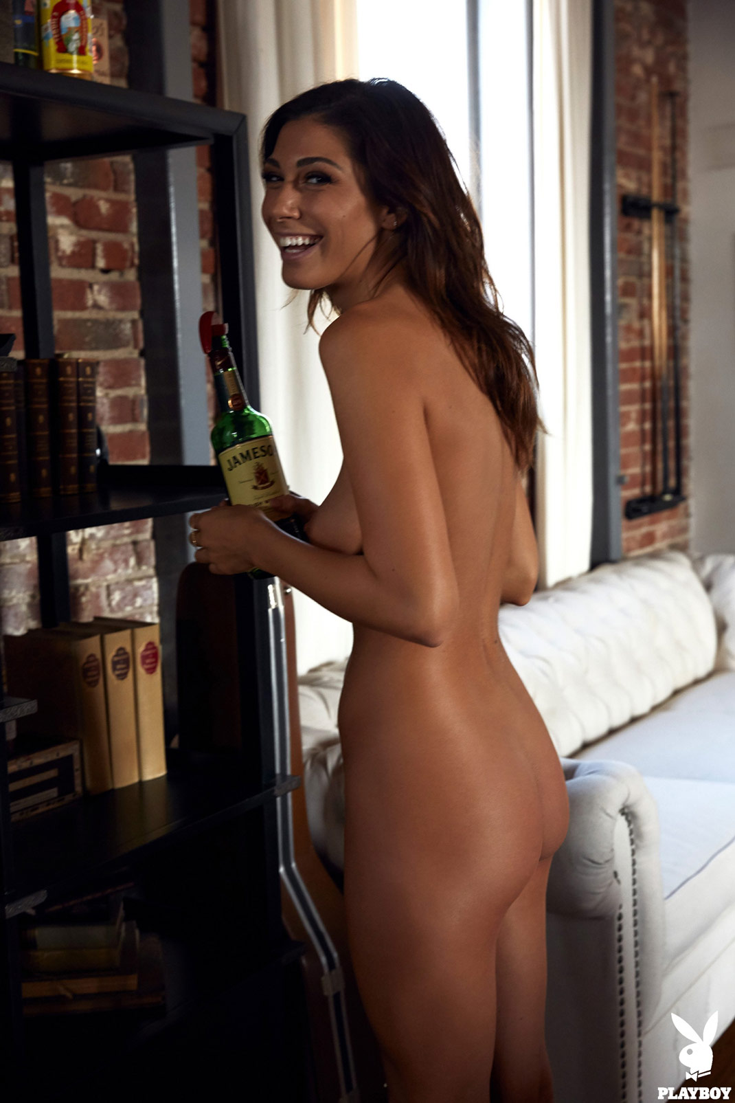 Brunette Nude Galleries By Date