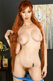 Lauren Phillips Nude Pics And Galleries