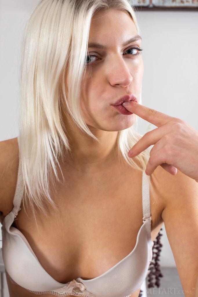 Pics and galleries slim metart nudes