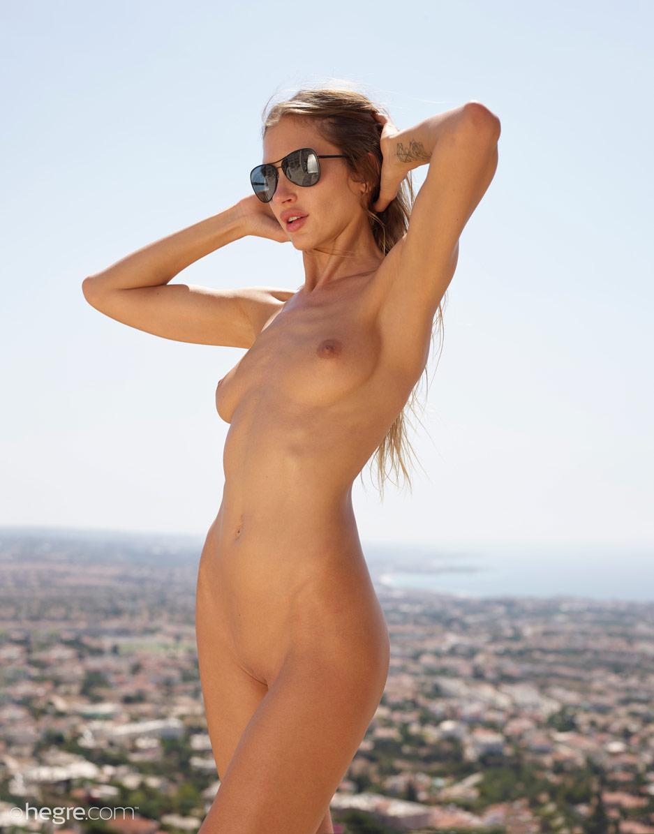 Taya Nude With Sunglasses-2770