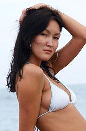 Rusya Wet Bikini Babe