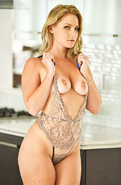 Lisey Sweet Dreamy All Natural Milf