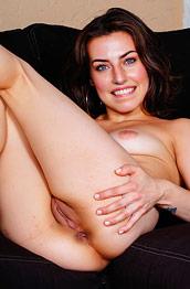 spencer-bradley-takes-off-her-bikini