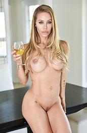 Nicole Aniston Dreamy Cougar