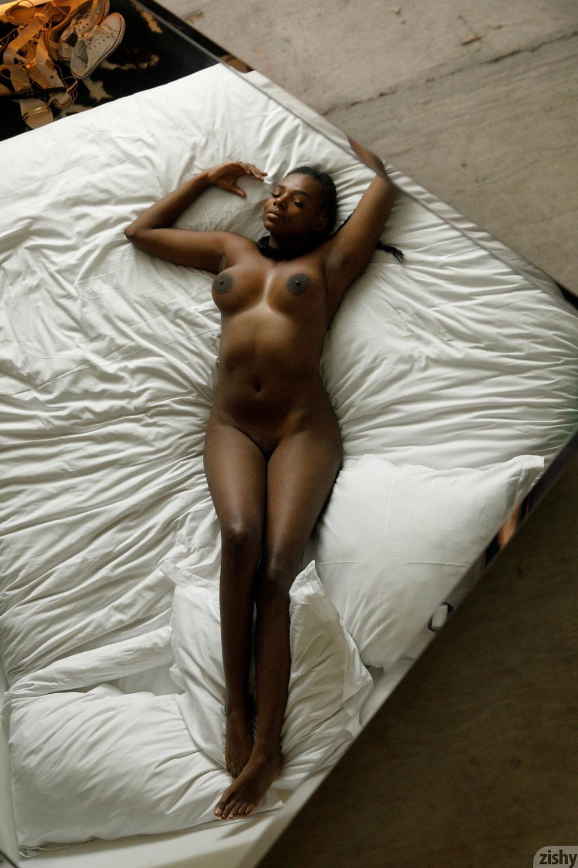 Babe Today Zishy Neda Marie Milf Black Schoolgirl Uniform Porn Pics