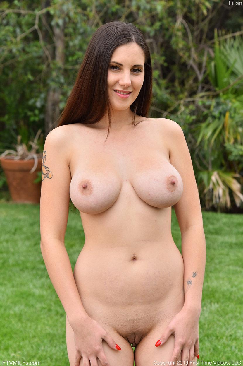 Lilian Sporty Naked Milf-4047