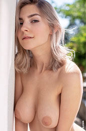Eva Elfie Flirty Pale Blonde