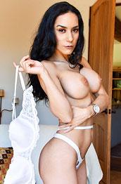 Tia Bleu Fit Nude Cougar