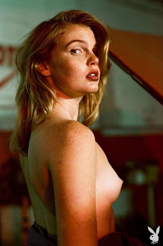 Nackt  Savannah Smith Playboy Playmate