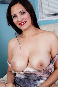 Chanel nackt gianna Gianna Chanel